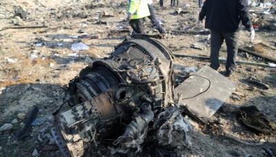 """Офіційний Тегеран заявив, що не готовий передати """"чорні скриньки"""" збитого літака МАУ"""