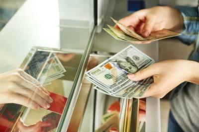 Украинцам разрешили не расписываться при обмене валют