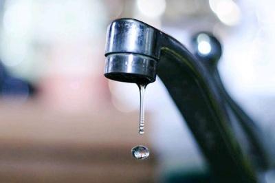 Аварія на водогоні: низка будинків на проспекті до вечора буде без води