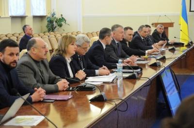 В уряді заступилися за Чорнівку, а в Чернівецькій ОДА відмовчались про це