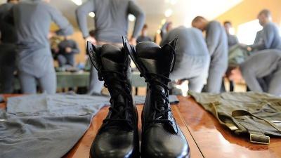 Анекдот дня: про те, як «відкосити» від армії