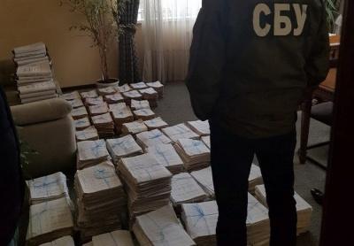 У Чернівцях чиновники міськради привласнили 5 млн грн компенсації за пільговий проїзд – СБУ