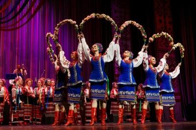 Сьогодні у Чернівецькому драмтеатрі виступить хор імені Верьовки