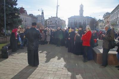 «Колокол тоскует по героям»: в Черновцах почтили память погибшего бойца - фото