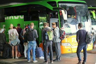 Запуск FlixBus до Чернівців і скорочення в ОДА. Головні новини 22 січня