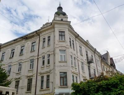 """Приміщення кінотеатру """"Україна"""" в Чернівцях передали в оренду церкві """"Еммануїл"""""""