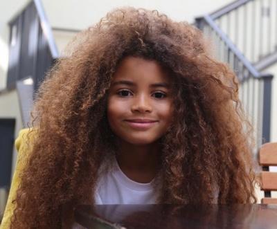 Школи відмовилися від дитини через незвичайну зачіску