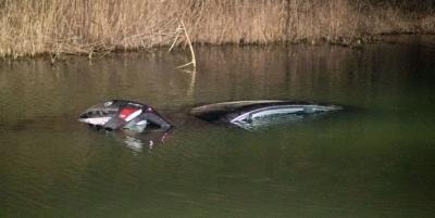 Під Києвом автомобіль з 9-річною дитиною впав в річку і потонув