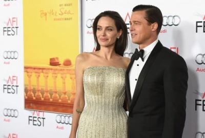Анджеліна Джолі і Бред Пітт разом випустять рожеве шампанське