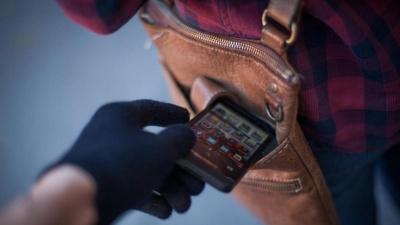 Провів додому й обікрав: на Буковині засудили чоловіка за крадіжку телефона