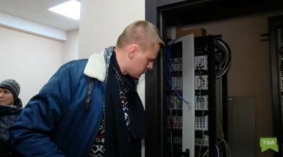 Слідчих, які проводили обшуки у Чернівцях, спіймали на хабарі 85 тисяч доларів - відео