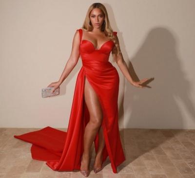 Крутіша за Кадашян: Beyonce вразила гарячим образом без білизни - фото