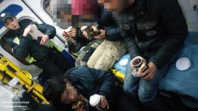 На Львівщині у рефрижераторі виявили чотирьох нелегалів-підлітків