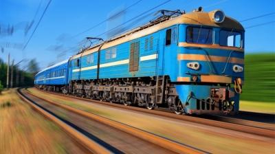 Поїзд «Чернівці–Київ» збив на смерть 19-річну дівчину, яка лежала на колії