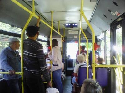 П'яний пасажир напав на водія тролейбуса під час руху