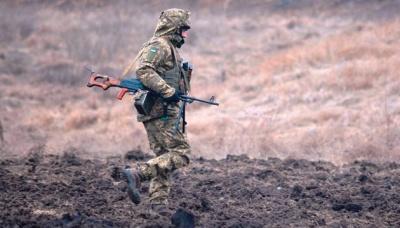 На Донбасі внаслідок ворожих обстрілів поранені 3 військових