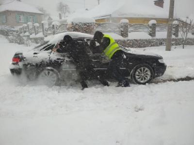 На Буковину суне негода: водіям радять утриматися від поїздок у найближчі кілька днів
