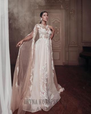 «Продаємо сукні в 54 країни»: чернівчанки створили колекцію весільних суконь з Андре Таном