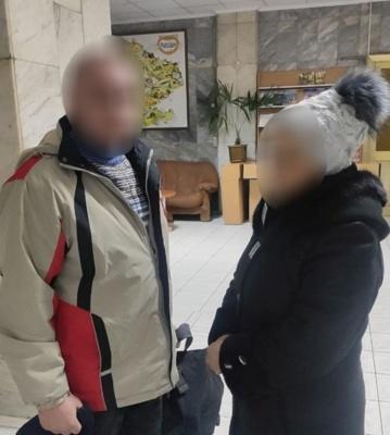 На пам'ятав, хто він: у Чернівцях поліцейські повернули матері зниклого сина