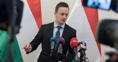 Угорщина знову намагається тиснути на Україну в мовному питанні