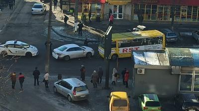 У Чернівцях сталася ДТП з маршруткою