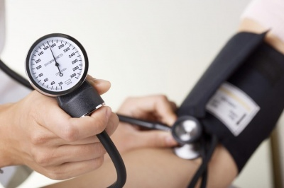 Експерти назвали 7 простих та перевірених способів знизити тиск без ліків