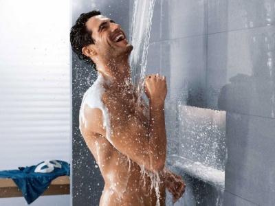 Дерматологи розповіли, як правильно приймати душ