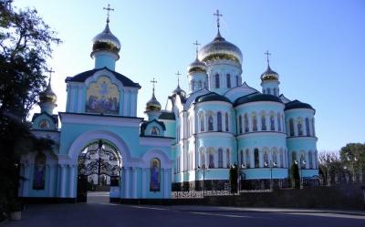 На Буковині засудили чоловіка, який викачував солярку з території Банченського монастиря