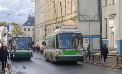 Сьогодні виконком Чернівців знову спробує підняти вартість проїзду у тролейбусах