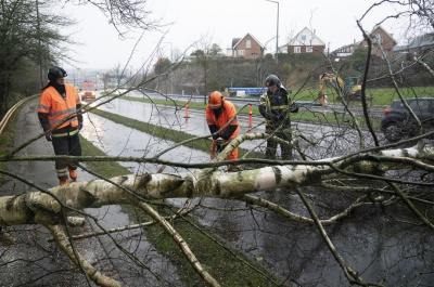 """У Європі зросла кількість жертв урагану """"Кіара"""""""