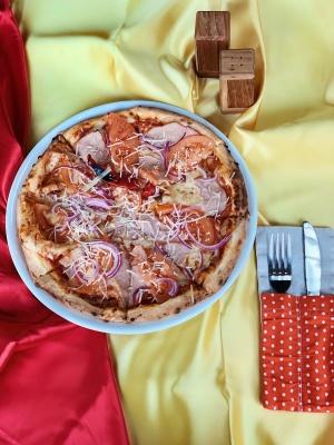 """Тут смачно, як у мами! Ресторан сімейної кухні і піцерія """"Mama's pizza"""" запрошує чернівчан*"""