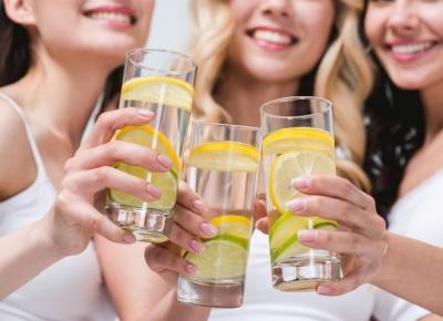 Вода з лимоном для схуднення: користь і застосування