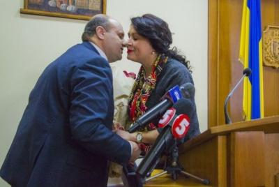 Мунтян утримується від спілкування зі своєю заступницею і депутатами облради