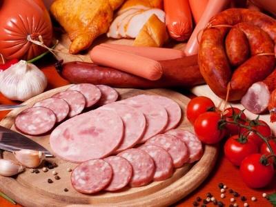 Дієтологиня дала поради щодо правильного вибору ковбаси