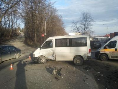 У Чернівцях сталась ДТП неподалік Калинівського ринку: є постраждалі
