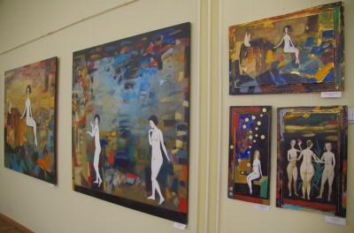 Натюрморти та пейзажі: у Чернівцях відкрилась ювілейна виставка Олександра Литвинова