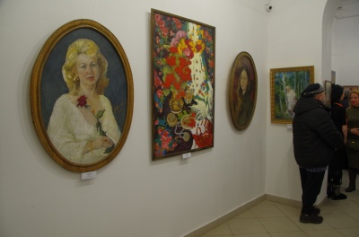 Відновив 300 старовинних ікон і картин: у Чернівцях відкрили ювілейну виставку художника Володимира Краснова - фото