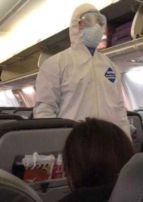 Літак з українцями на борту вилетів з Уханя