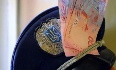 На Буковині судитимуть поліцейського, який вимагав у п'яного водія 7000 гривень хабаря