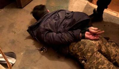 У Чернівцях сталася стрілянина: хуліган поранив чоловіка у шию