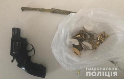 Поліція затримала двох іноземців, які обкрадали квартири чернівчан