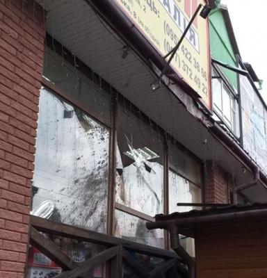 Буревій на Буковині зняв дахи зі шкіл, ринку і житлових будинків - фото
