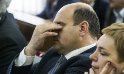 Мунтян, якому заборонили спілкуватись із низкою депутатів, оголосив сесію облради