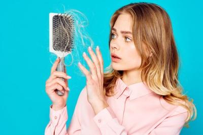 Що робити, якщо випадає волосся: ТОП-5 порад