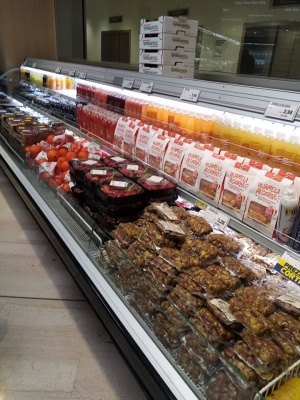«Паніки немає»: чернівчанка показала переповнені продуктами супермаркети в Італії – фото
