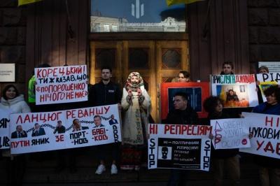 Володимире Олександровичу, не ставайте Януковичем! – Порошенко