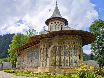 Середньовічна фортеця і тропічна оранжерея: які екскурсії пропонують буковинцям у березні