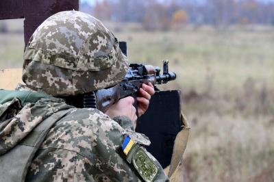 Загострення на Донбасі: майже два десятки обстрілів, троє українських військових поранені