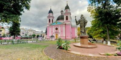 Невідома Буковина: історії головних храмів міста