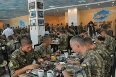 Міноборони: Усі бойові частини ЗСУ перейшли на нову систему харчування